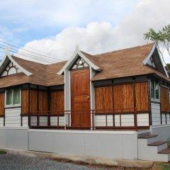 Отель De Coco House Sriracha 3* Бунгало Делюкс с различными типами кроватей фото 13