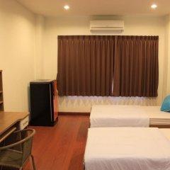 Ananas Phuket Central Hostel Пхукет комната для гостей фото 5