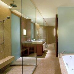 Отель Hyatt On The Bund 5* Стандартный номер с различными типами кроватей фото 4