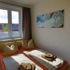 Отель Ferienwohnungen Eicher Warnemünde комната для гостей фото 3