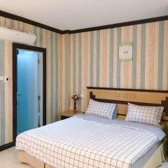 Отель B & L Guesthouse 3* Улучшенный номер с разными типами кроватей