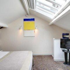 Отель Hôtel A La Villa des Artistes 3* Люкс с различными типами кроватей фото 5