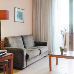 Отель Hesperia Sant Joan Suites 3* Стандартный семейный номер с различными типами кроватей фото 3