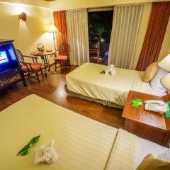 Seaview Patong Hotel 3* Улучшенный номер с двуспальной кроватью фото 11