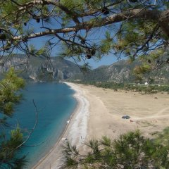 Blue & White Hotel пляж фото 2