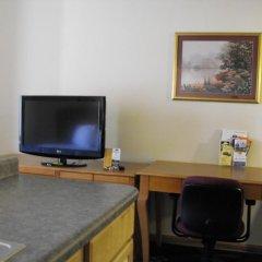 Отель Americas Best Value Inn Three Rivers 2* Стандартный номер с 2 отдельными кроватями фото 3