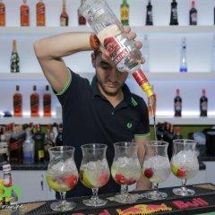 Отель Cocoon Hotel & Lounge Албания, Тирана - отзывы, цены и фото номеров - забронировать отель Cocoon Hotel & Lounge онлайн гостиничный бар