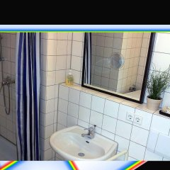 Отель FeWo II - VI Altstadt - Am grossen Garten Германия, Дрезден - отзывы, цены и фото номеров - забронировать отель FeWo II - VI Altstadt - Am grossen Garten онлайн ванная фото 2