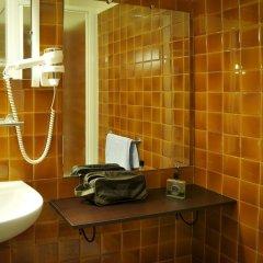 Отель Hôtel Eden Montmartre 3* Стандартный номер с различными типами кроватей фото 5