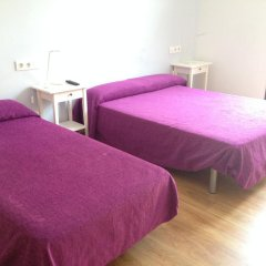 Отель Hostal Delfos Стандартный номер с различными типами кроватей