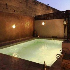 Отель Riad Carina Марокко, Марракеш - отзывы, цены и фото номеров - забронировать отель Riad Carina онлайн бассейн фото 3