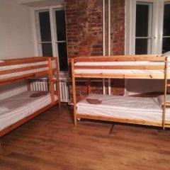 Отель The Penny Outpost Кровать в общем номере с двухъярусными кроватями