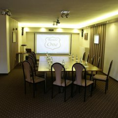Отель Route One - Restauracja & Pokoje Hotelowe развлечения