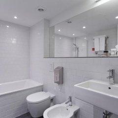 Азимут Отель Уфа 4* Стандартный номер с 2 отдельными кроватями фото 4