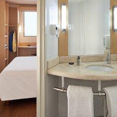 Отель Ibis Cancun Centro Мексика, Канкун - отзывы, цены и фото номеров - забронировать отель Ibis Cancun Centro онлайн ванная фото 2