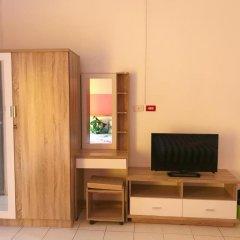 Отель B & L Guesthouse 3* Стандартный семейный номер с разными типами кроватей фото 2