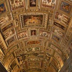 Отель Your Vatican House развлечения