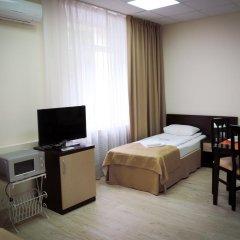 Гостиница Inn Ordzhonikidze 8а Семейный люкс с 2 отдельными кроватями фото 5