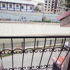 Esentai Hostel Алматы балкон