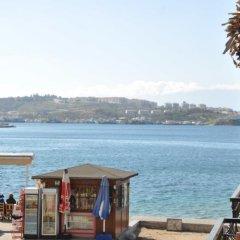 Foca Kumsal Hotel Турция, Фоча - отзывы, цены и фото номеров - забронировать отель Foca Kumsal Hotel онлайн пляж фото 2