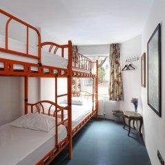 Hush Hostel Moda Кровать в общем номере фото 7