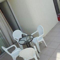 Отель The Paphos House бассейн