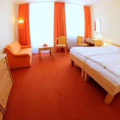 Отель Flora Чехия, Марианске-Лазне - отзывы, цены и фото номеров - забронировать отель Flora онлайн комната для гостей фото 5