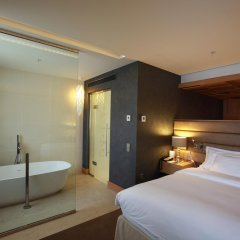 Гостиница Шератон Палас Москва 5* Улучшенный люкс с различными типами кроватей фото 3