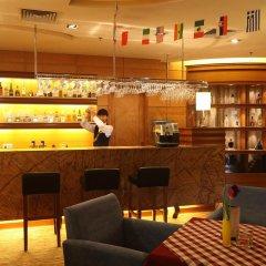 Отель Ramada Plaza Guangzhou гостиничный бар