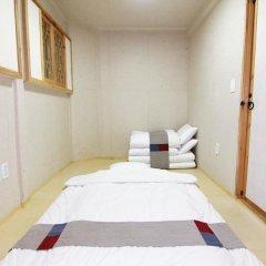 Отель Irang Hanok Guesthouse Южная Корея, Сеул - отзывы, цены и фото номеров - забронировать отель Irang Hanok Guesthouse онлайн сейф в номере