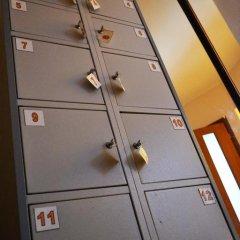Отель Жилое помещение Корона Кровать в мужском общем номере фото 5