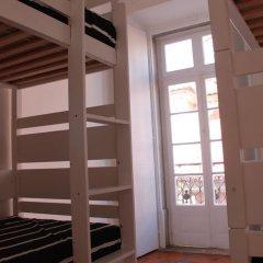 Surf in Chiado Hostel Кровать в общем номере с двухъярусной кроватью фото 2