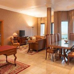 Sheraton Abu Dhabi Hotel & Resort интерьер отеля