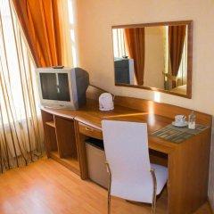 Мини-отель Невская Классика на Малой Морской Стандартный семейный номер с двуспальной кроватью фото 7