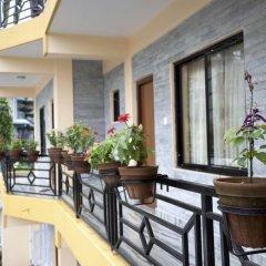 Отель Eleven Inn Непал, Покхара - отзывы, цены и фото номеров - забронировать отель Eleven Inn онлайн балкон