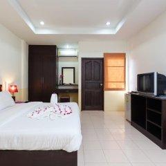 Отель Bangtao Kanita House 2* Улучшенный номер с двуспальной кроватью