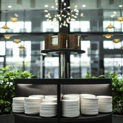 Отель Wakeup Copenhagen - Borgergade Дания, Копенгаген - 4 отзыва об отеле, цены и фото номеров - забронировать отель Wakeup Copenhagen - Borgergade онлайн питание фото 2