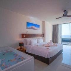 Отель Surin Beach Resort 4* Улучшенный номер с двуспальной кроватью фото 3