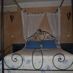Отель Gite Nadia сейф в номере