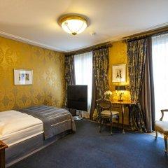 Grand Hotel Les Trois Rois 5* Улучшенный номер с различными типами кроватей фото 2