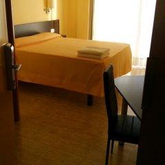Отель Hostal Sant Sadurní Стандартный номер с двуспальной кроватью фото 15
