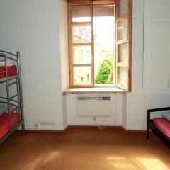 Отель Hostelgate Литва, Вильнюс - отзывы, цены и фото номеров - забронировать отель Hostelgate онлайн комната для гостей фото 2