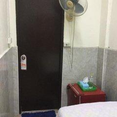 Отель Miggy Guest House Adults Only Бангкок удобства в номере фото 2