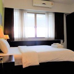Отель Pt Court Бангкок сейф в номере