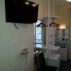 Manor Hotel 2* Стандартный номер с 2 отдельными кроватями (общая ванная комната) фото 4