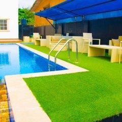 De Brit Hotel бассейн фото 2