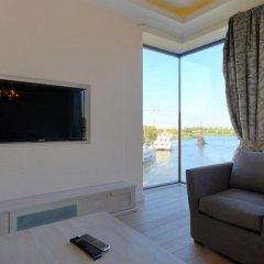 Апартаменты Dom & House - Apartments Targ Rybny комната для гостей фото 5