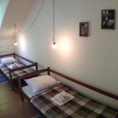 Хостел В центре Кровать в общем номере фото 20
