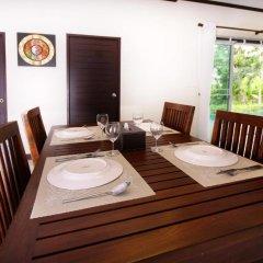 Отель Modern Thai Villa Rawai в номере