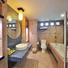 Отель Woraburi Phuket Resort & Spa 4* Улучшенный номер двуспальная кровать фото 9